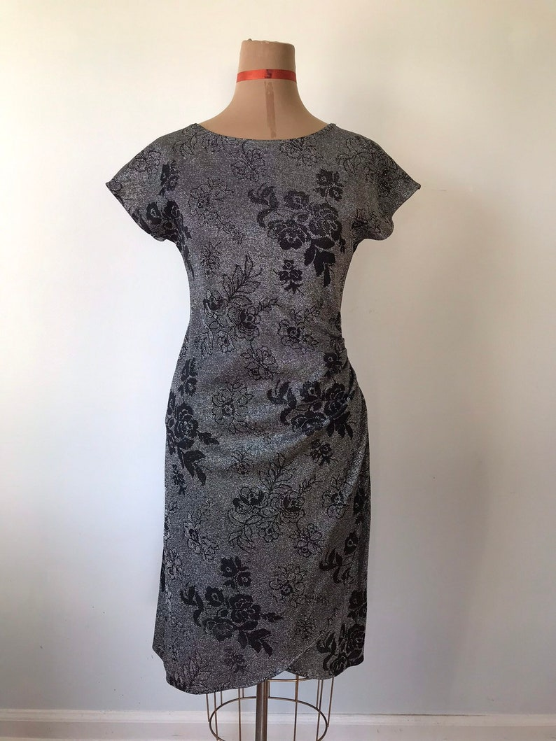 80's Silver Metallic Wrap Style Disco Party Evening Midi Dress with Black Floral Design Size Small