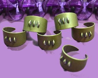 1 ring holder hanging charm color bronze