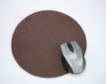 Round mouse pad dark brown Leather mouse pad Personalized Leather mouse mat Circle mouse pad Tech gadgets Laptop mouse pad Gift for friend