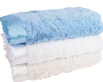 Luxe Bella Plush Blankets - Blue White Collection