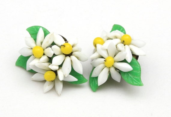 Vintage 1960s Daisy White Flower Cluster Articulat