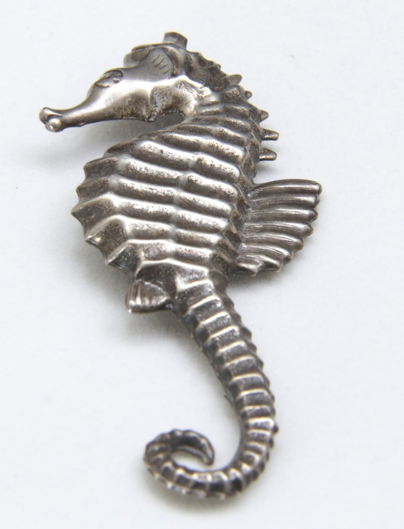 Vintage Lang Sterling Silver Seahorse Pin Brooch Intricate Design Signed