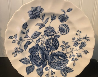 Johnson Brothers ELIZABETH  Dinner Plate Blue and White China plate