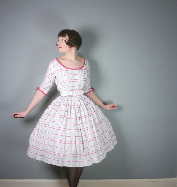 50s CHECKED cotton day dress in white, red and bla