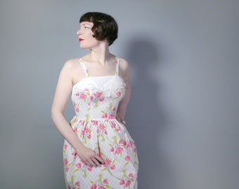 Early 50s pink TULIP print sun dress in white WAFFLE texture cotton - romantic STRAPPY floral spring / summer dress - S