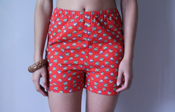 Spring vintage red cotton shorts