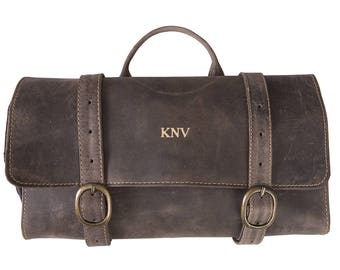 a6ebaaee76 Personalized Distressed Brown Leather Hanging Travel Toiletry Bag - Toiletry  Bag - Husband Gifts - Gifts for Him - Groomsmen - GC1622