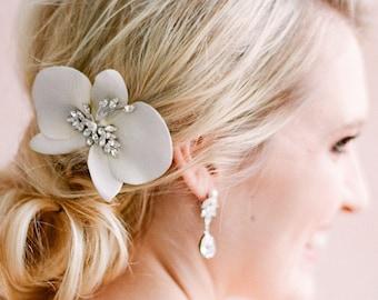 Orchid Soleil- orchid comb- orchid bridal comb- orchid hairpiece- orchid headpiece- bridal orchid headpiece- bridal flower comb- flower comb
