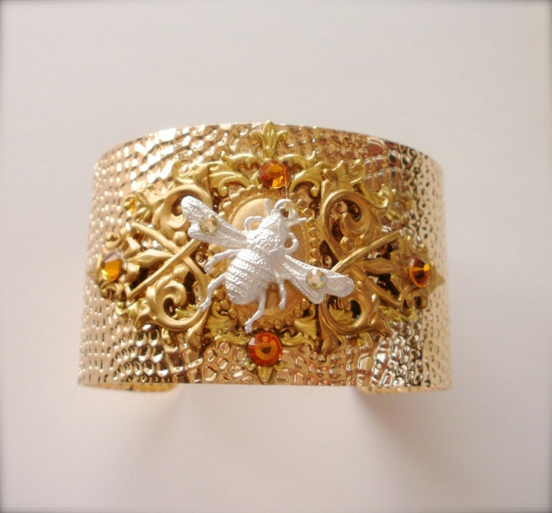Queen Bee Bracelet Christmas Gift for Her Bee Cuff Bracelet Bumble Bee Goldtone Bracelet Wedding Jewelry One of a Kind Bee Bracelet