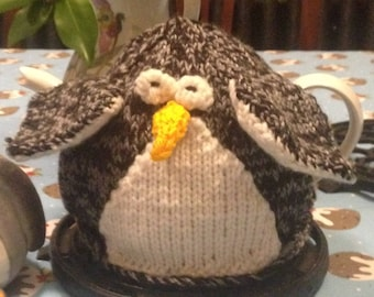 Pointy penguin Teacosy PDF Knitting Pattern
