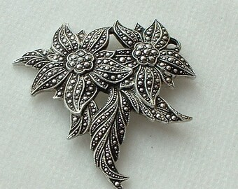 8//25pcs 33mm Antique Silver Filigree lovely delicate flowers charm pendant