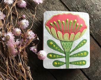 ZINNIA FLOWER, Art Relief in oak