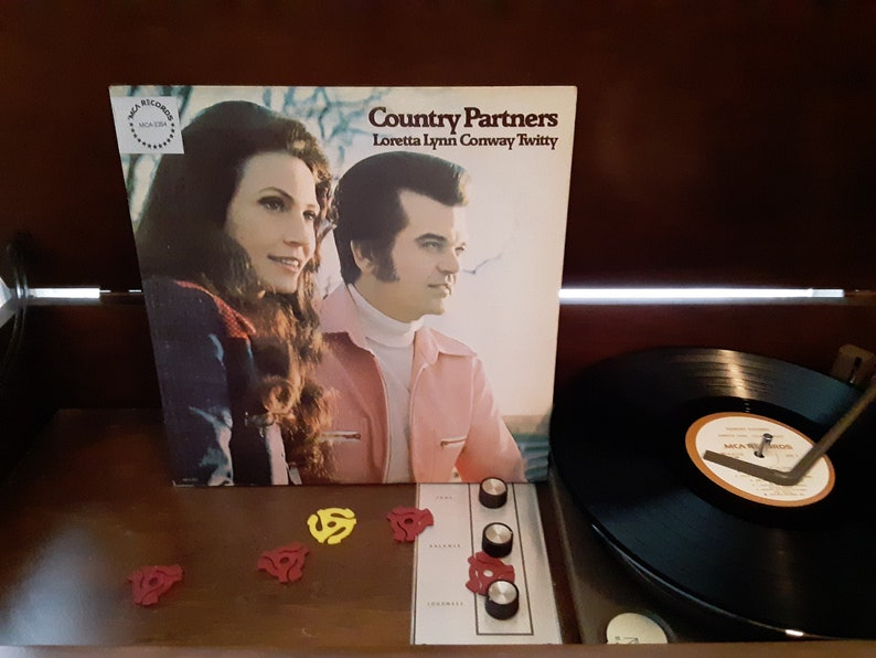 Loretta Lynn & Conway Twitty  Country Partners  Circa 1974 image 0