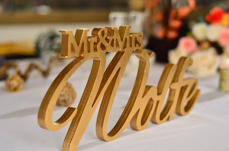 Personalized Family NAME Sign for Wedding Top Table Decor Script Mr /& Mrs Family Last Name Sign Wedding Head Table Name Sign Centerpiece