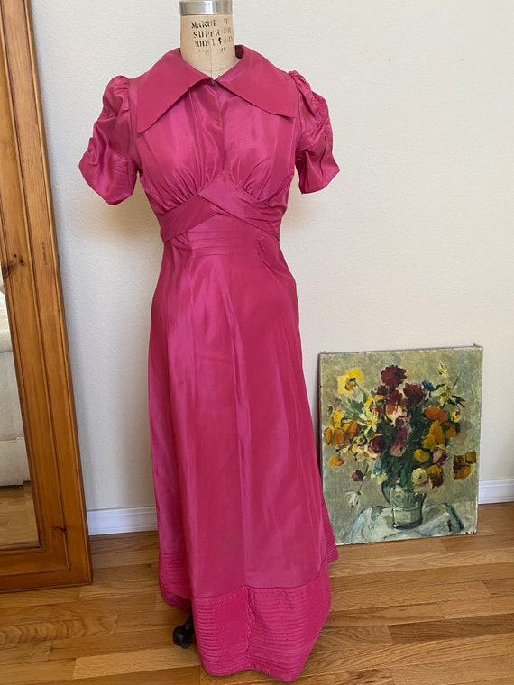 Vintage 1930s Pink Taffeta Evening Gown