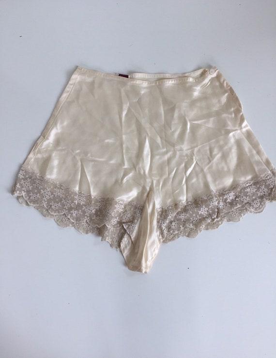 Vintage 1940s Tap Pants Off-White Rayon Satin Alid