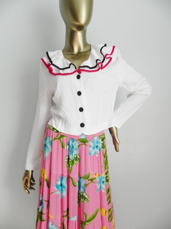 vintage white ruffle blouse \ ruffle neckline \ bu