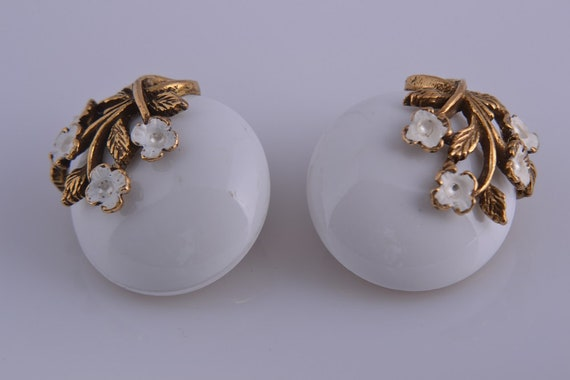 Plastic And Gilt 1960's Floral Clip On Earrings (… - image 1