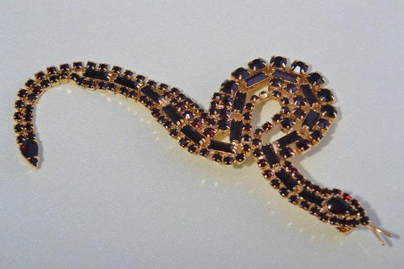 Gilt Snake Brooch With Crystals (889h)