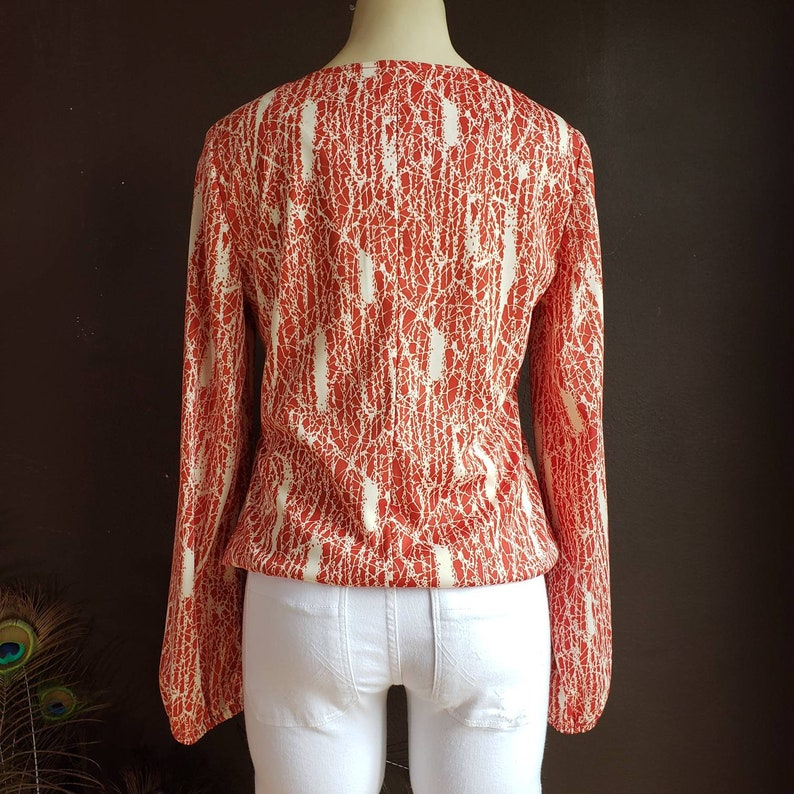 Vintage Womens 60s Blouse Long Sleeve Keyhole Red and Cream Top