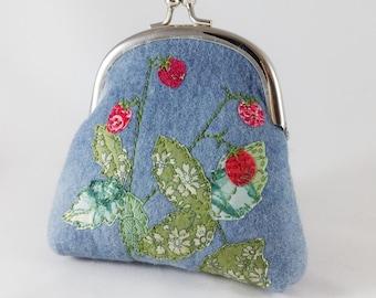 Felt purse, small clutch purse, coin purse, embroidered strawberry, summer purse, embroidered purse, gift for her, birthday gift, handmade