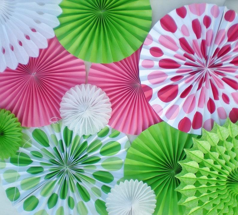 Color De Rosa Caliente Cal Rosetas Verdes Papel De Telon De Etsy