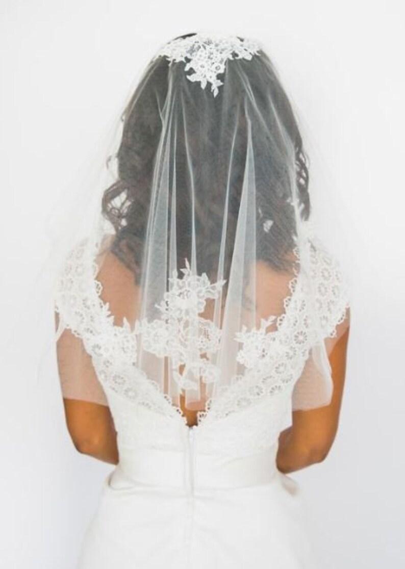 Short Veil Boho Wedding Veil Short Lace Veil Boho Veil image 0