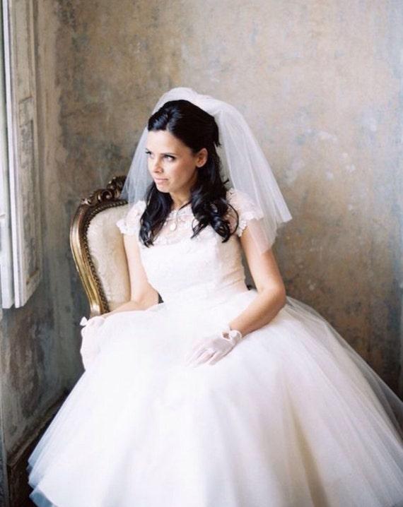 Bridal Veil Short Bridal Veil Fly Away Veil Shoulder Etsy