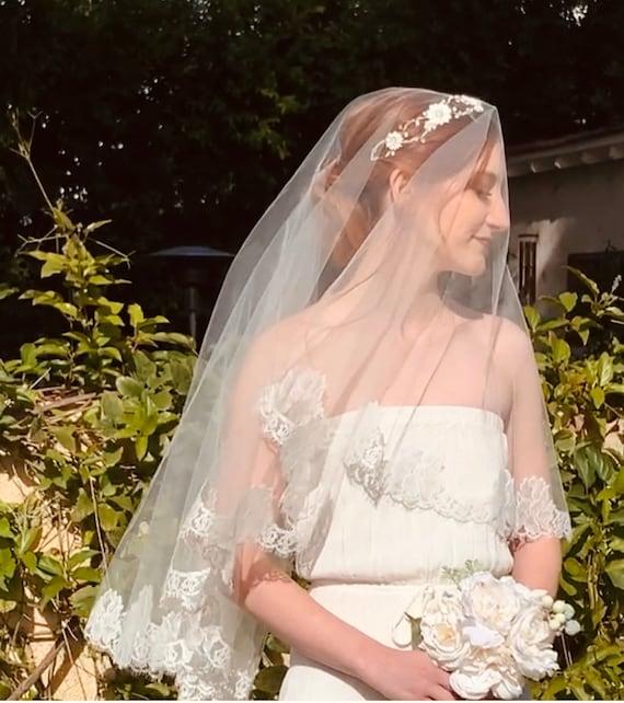 ivory fingertip veil Lace chantilly veil Fingertip Lace Fingertip Veil Fingertip Veil Lace Wedding Veil Lace Bridal Veil Wedding Veil