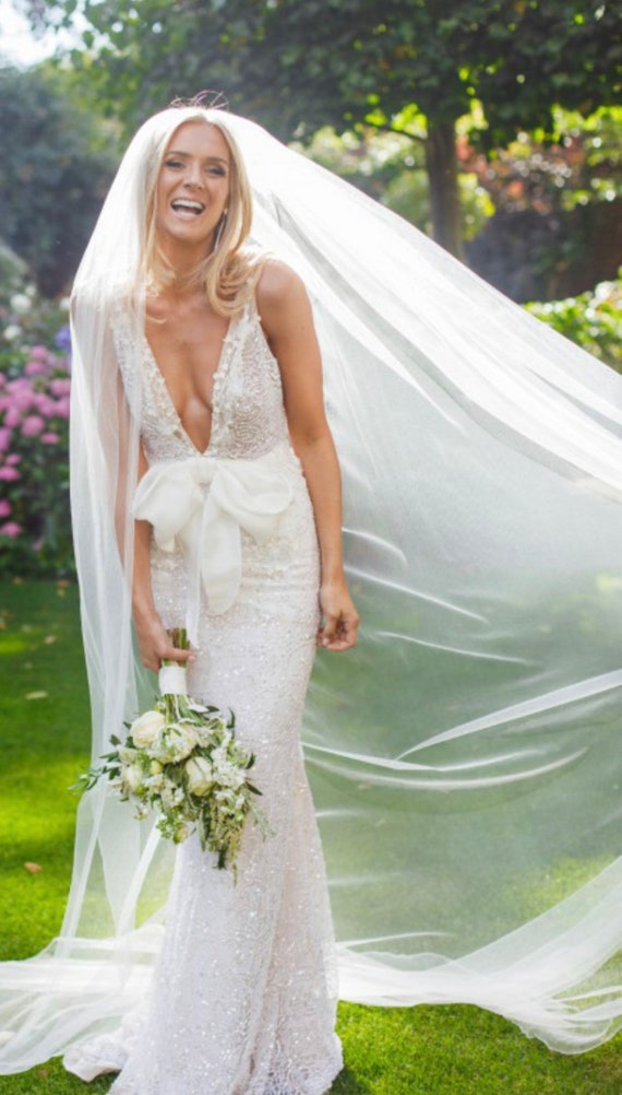 No Gathers Veil- LOVELY Veil Veil Wedding Veil Simple Veil Drapey Veil Bridal Veil Vintage Veil Soft Tulle Veil Single Tier Veil
