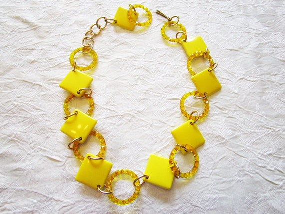 Vintage Bright Yellow 60s Belt