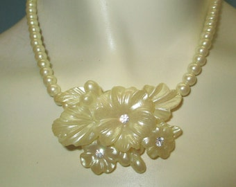 Vintage 50s Necklace / Celluloid Necklace / Pearl Celluloid / 50s Pearl Necklace / Vintage Plastic Necklace / Rhinestone Flower NECKLACE