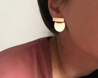 ROMA Gold Circle Solid Earrings | Coin Bar Earrings | Modern Contemporary Minimal Jewelry | Statement Jewelry | Shiny Gold Earrings