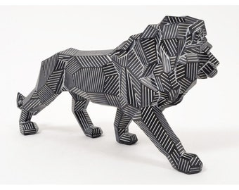 """Big lion """"Origami"""" statue in black and white resin, length 17 inches"""