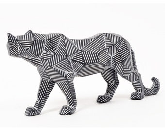 """Statue of fawn or panther """"Origami"""" in white and black resin, length 14 inches"""