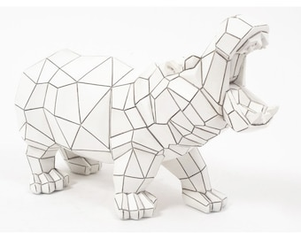 Origami hippopotamus statue in white and black resin, length 12'6 inches