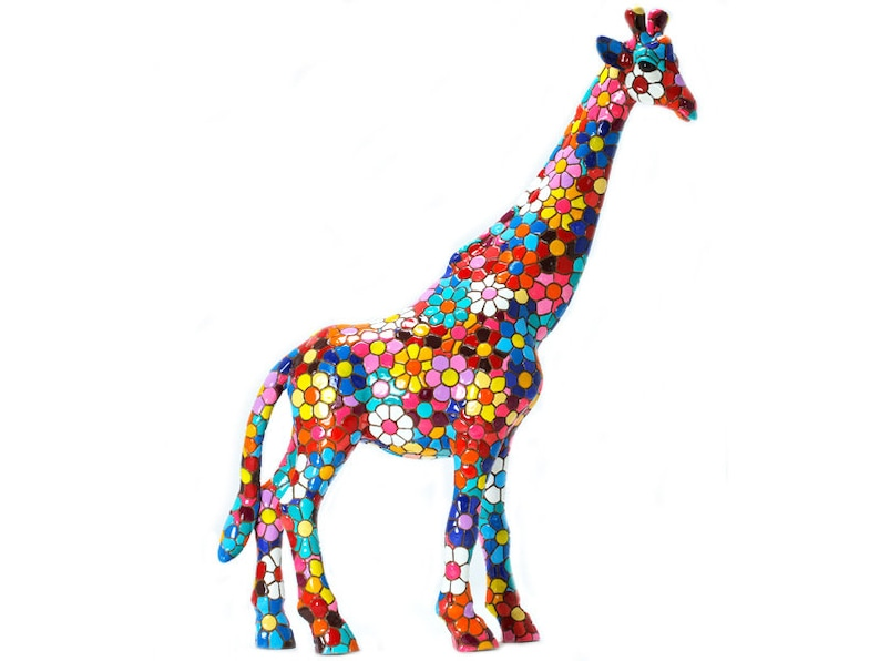 7. Giraffe Barcino mosaic statue with Flower design