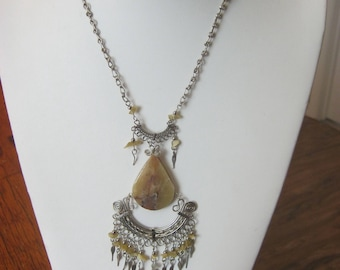 Chandelier vintage silvertone necklace, gorgeous camel colored stones, tiered silver & stones