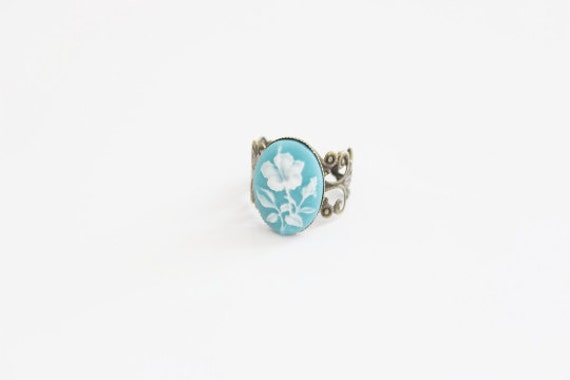 Flower Cameo Turquoise Ring