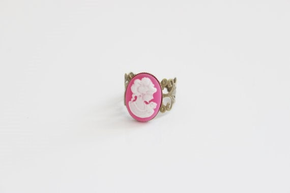 Victorian Lady Cameo Pink Ring