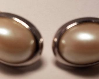 Richelieu Faux Pearl Earrings