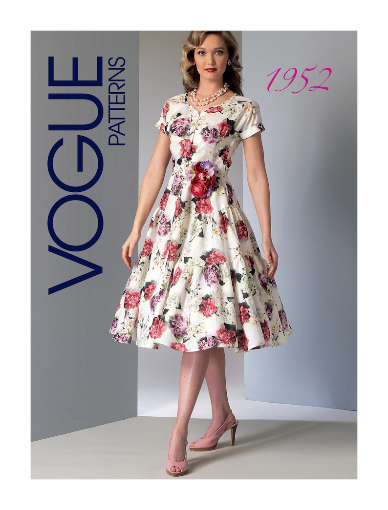 Vogue Sewing Pattern V9106 Women/'s Dress And Belt Fitted Bodice