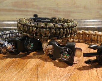 Paracord Survival Bracelet w/ 5 accessories- size 10 inch