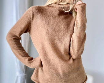 trendy color Sugar brown, lightweight oversized sweater very warm lightweight loose-fitting sweater made of natural cashmere, alpaca