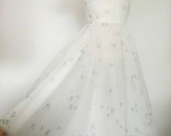 50s Prom Dress Party white Taffeta ethereal Cocktail Dress with small leafy  print size XS 4be279a1fd69