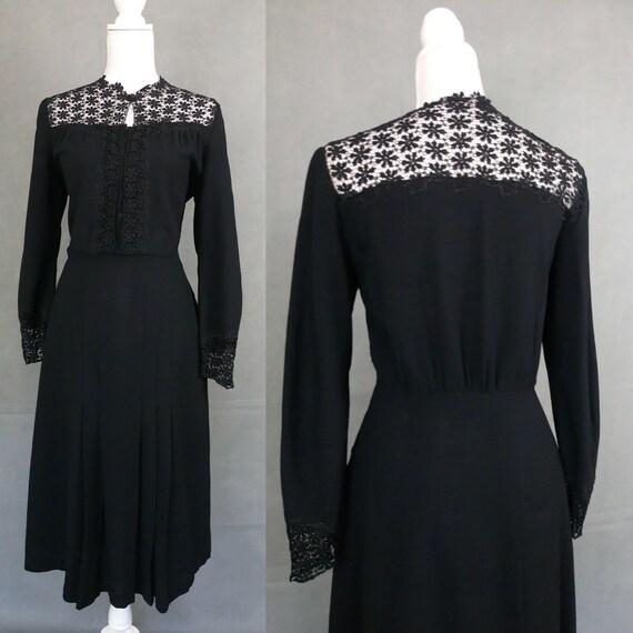 Vintage 30s/40s black wool crepe and lace dress/Gu