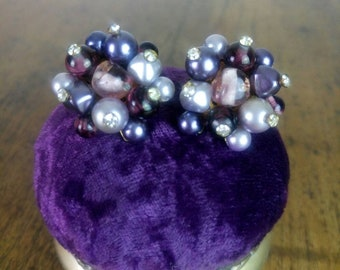 1950s/60s Vintage purple and lilac glass pearl rhinestones cluster earrings