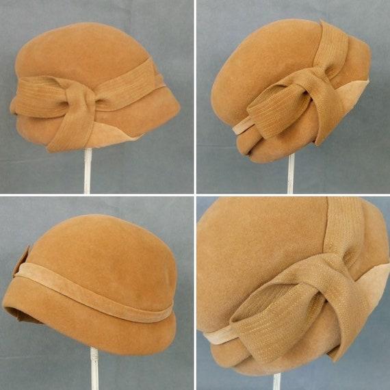Vintage 30s mustard felt hat /Blanche Cloche hat
