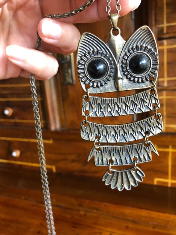 Vintage 70s Owl Pendant Necklace Articulated long