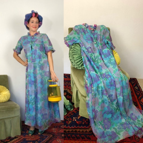 Vintage 50s/60s blue floral Peignoir by Jexwear/ny
